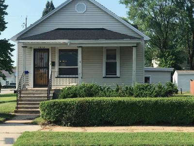 Menominee Single Family Home Active Contingent With Offer: 1512 26th Ave