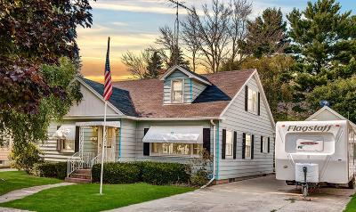 Jefferson Single Family Home Active Contingent With Offer: 525 E Church St