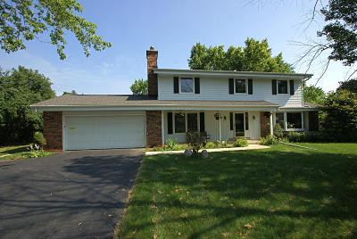 New Berlin Single Family Home Active Contingent With Offer: 16780 W Salentine