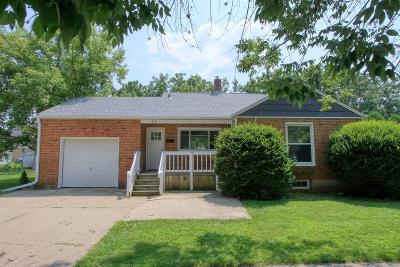 Lake Geneva Single Family Home Active Contingent With Offer: 912 Grant St