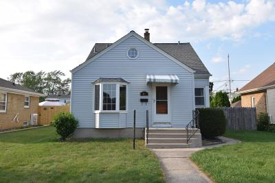South Milwaukee Single Family Home Active Contingent With Offer: 816 Menomonee Ave