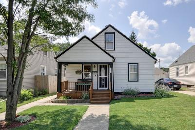 Kenosha Single Family Home Active Contingent With Offer: 7406 40th Ave