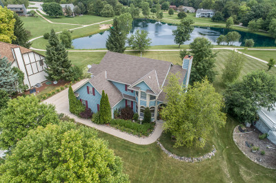 Waukesha Single Family Home Active Contingent With Offer: S40w31338 Johns Way