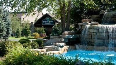 Lake Geneva Condo/Townhouse For Sale: 7020 Grand Geneva Way #160