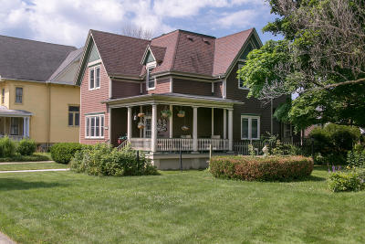 Racine Single Family Home For Sale: 1708 College Ave