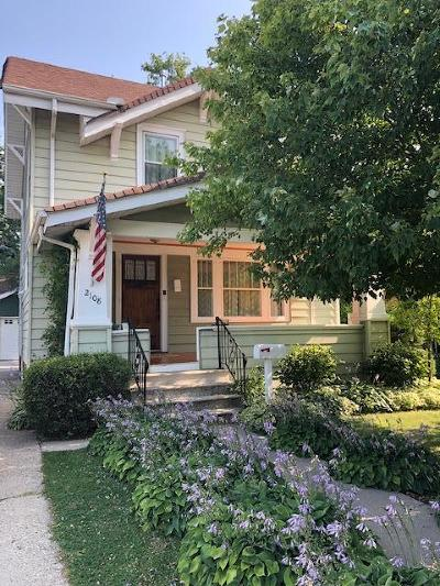 Kenosha Single Family Home Active Contingent With Offer: 2108 74th St