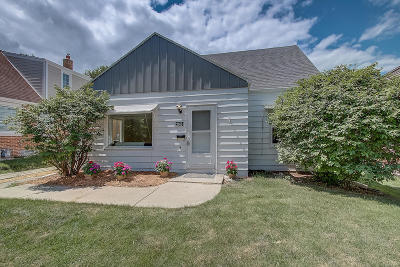 Wauwatosa Single Family Home For Sale: 2653 N 80th St