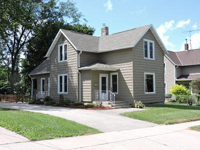 Fort Atkinson Single Family Home Active Contingent With Offer: 317 N High St