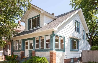 Racine Single Family Home For Sale: 1629 West Blvd