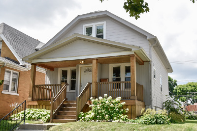 West Allis Single Family Home Active Contingent With Offer: 2207 S 72nd St