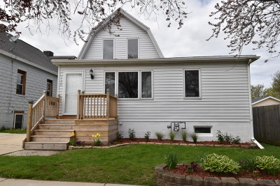 South Milwaukee Single Family Home For Sale: 1110 Marshall Ave