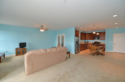 Racine County Condo/Townhouse For Sale: 4 Gaslight Dr #311