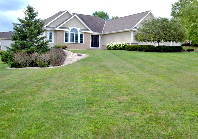 Mukwonago Single Family Home For Sale: 1257 Williams Dr