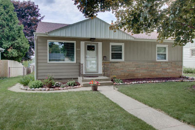 West Allis Single Family Home Active Contingent With Offer: 1121 S 107th St