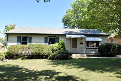 Wauwatosa Single Family Home Active Contingent With Offer: 524 N 98th St