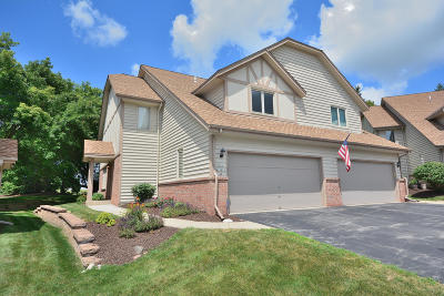Pewaukee Condo/Townhouse For Sale: N34w23820 Adam Ct #A