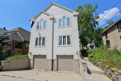 Milwaukee Condo/Townhouse Active Contingent With Offer: 1741 N Warren Ave