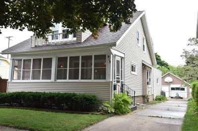 Racine Single Family Home For Sale: 915 West Lawn Ave