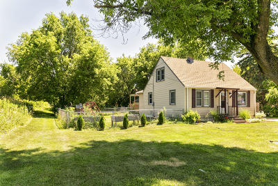 Oak Creek Single Family Home Active Contingent With Offer: 8646 S Chicago Rd