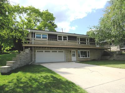 Plymouth Single Family Home Active Contingent With Offer: 132 Daleview