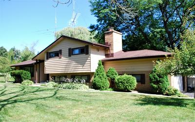 Brookfield Single Family Home Active Contingent With Offer: 3820 Dale Dr