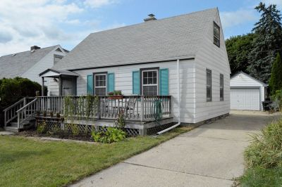West Allis Single Family Home Active Contingent With Offer: 7730 W Arthur Ave