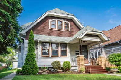 Shorewood Single Family Home For Sale: 3921 N Farwell Ave