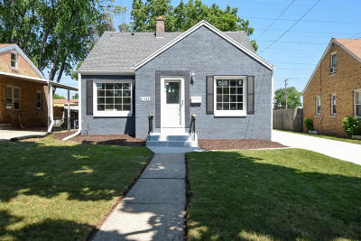 Milwaukee Single Family Home Active Contingent With Offer: 348 E Waterford Ave