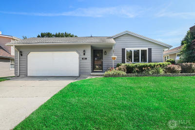 Kenosha Single Family Home Active Contingent With Offer: 4415 88th Pl
