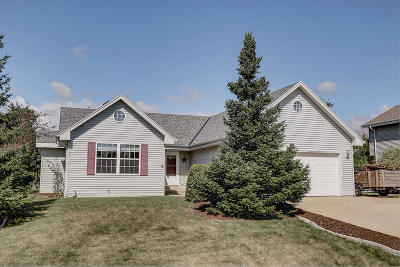 Racine Single Family Home Active Contingent With Offer: 6336 Newcastle Ln