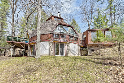 Menominee Single Family Home For Sale: N4235 River Dr