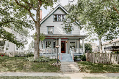 Milwaukee Single Family Home Active Contingent With Offer: 1620 E Providence Ave