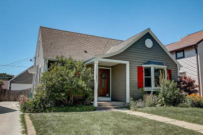 Milwaukee Single Family Home Active Contingent With Offer: 4421 S Adams Ave