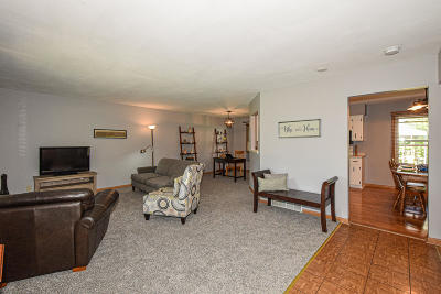 Greenfield Single Family Home Active Contingent With Offer: 12126 W Chapman Ave