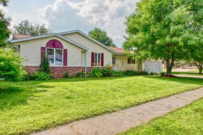 East Troy Single Family Home For Sale: 1989 Lilly St