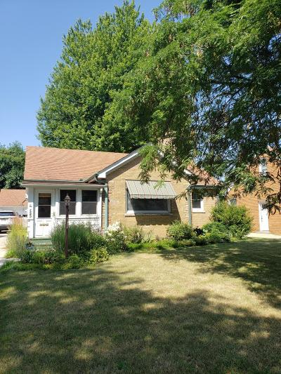 Kenosha Single Family Home For Sale: 3560 Sheridan Rd