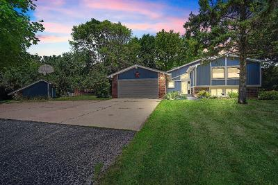 Menomonee Falls Single Family Home Active Contingent With Offer: N69w20600 Orchard Ct