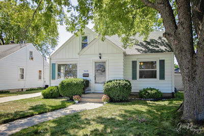 Kenosha Single Family Home For Sale: 7532 30th Ave