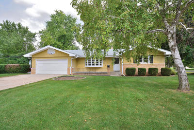 Brookfield Single Family Home For Sale: 2700 Princeton Rd