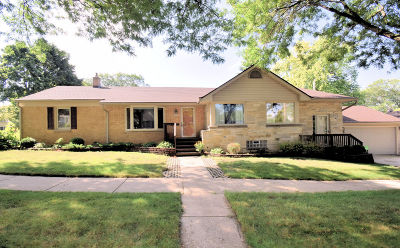 Wauwatosa Single Family Home For Sale: 8209 W Clarke