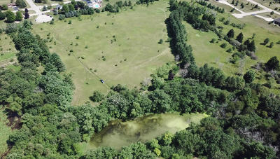 Waukesha Residential Lots & Land Active Contingent With Offer: Lt3 Esser Dr