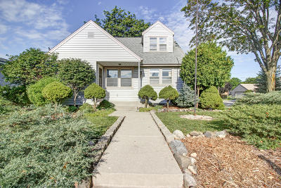West Allis Single Family Home Active Contingent With Offer: 905 S 119th St