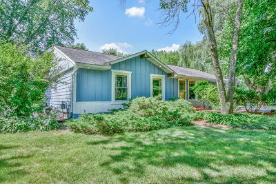 Mukwonago Single Family Home For Sale: W309s8915 Green Acre Dr
