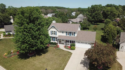 Waukesha Single Family Home Active Contingent With Offer: W224n2858 Foxwood Ct