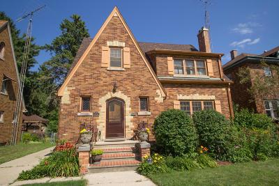Kenosha Single Family Home For Sale: 7211 5th Ave