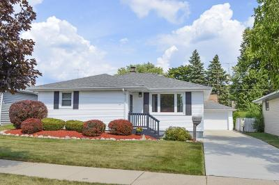 Kenosha Single Family Home Active Contingent With Offer: 5711 42nd Ave