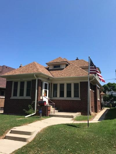 Single Family Home For Sale: 2558 S Howell Ave