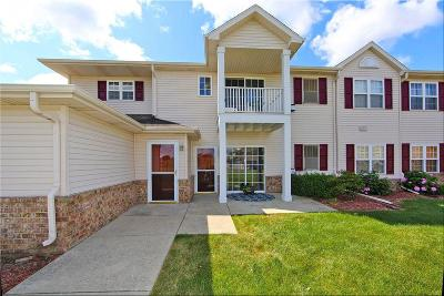 Racine County Condo/Townhouse Active Contingent With Offer: 1722 Gorton Ln #102