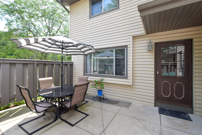 Menomonee Falls Condo/Townhouse Active Contingent With Offer: N76w14651 Fairfield Ct