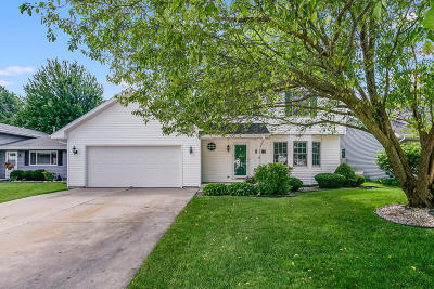 Kenosha Single Family Home Active Contingent With Offer: 5511 64th St